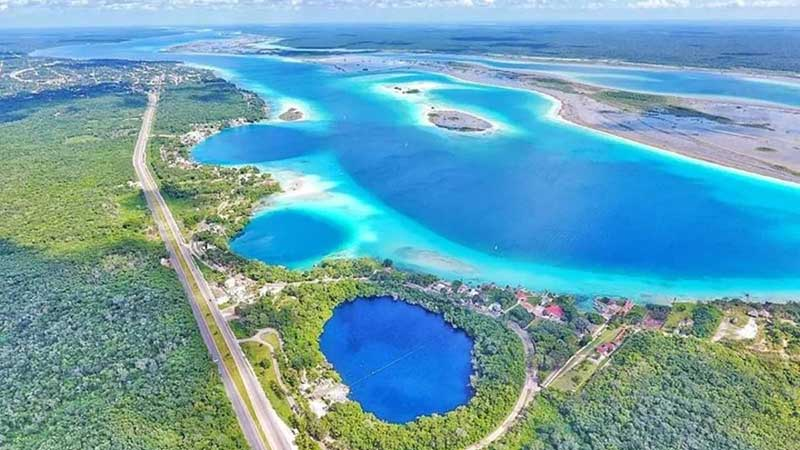 Empresarios se oponen a convertir la laguna de Bacalar en área natural protegida
