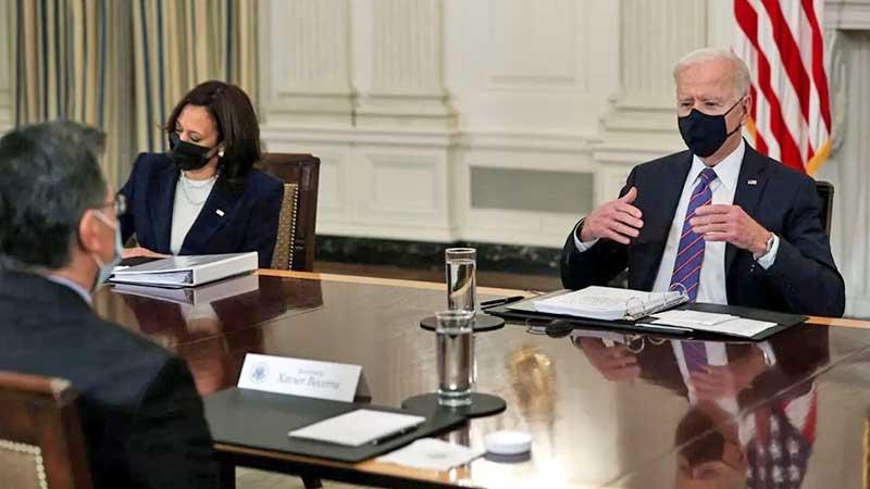 Joe Biden revoca medida decretada por Trump que exigía seguro de salud a nuevos migrantes